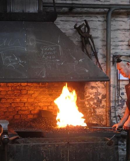 Unieke opleiding kunstsmeden in Antwerpen dreigt vuren te moeten doven